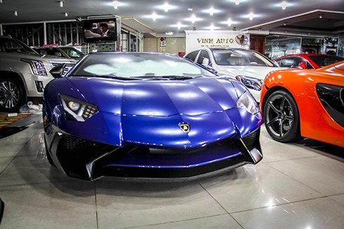 Chiêm ngưỡng Lamborghini Aventador SV màu xanh độc nhất tại Việt Nam 1