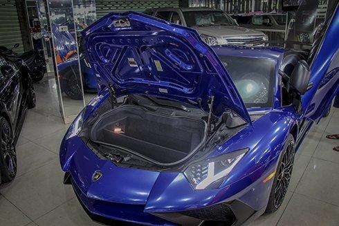 Chiêm ngưỡng Lamborghini Aventador SV màu xanh độc nhất tại Việt Nam 5
