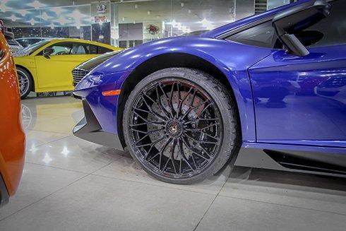Chiêm ngưỡng Lamborghini Aventador SV màu xanh độc nhất tại Việt Nam 6