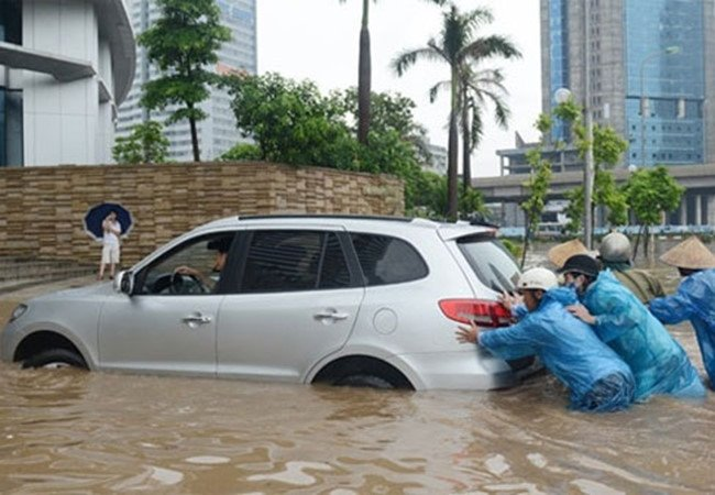 Xe bị ngập nước thường để lại hậu quả vô cùng nặng nề.