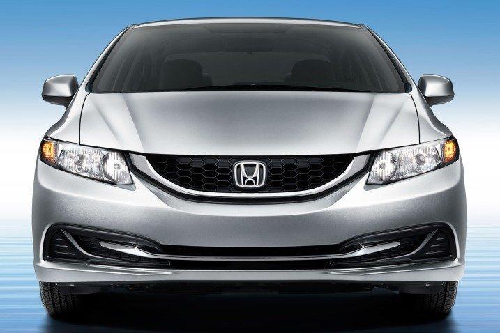 So sánh xe Chevrolet Cruze và Honda Civic 8