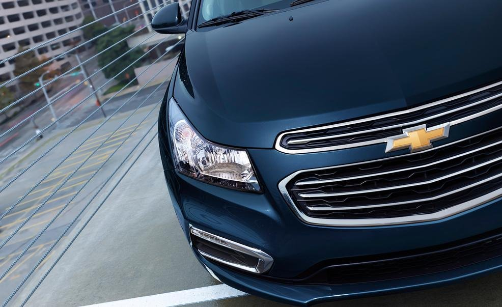 So sánh xe Chevrolet Cruze và Honda Civic 5