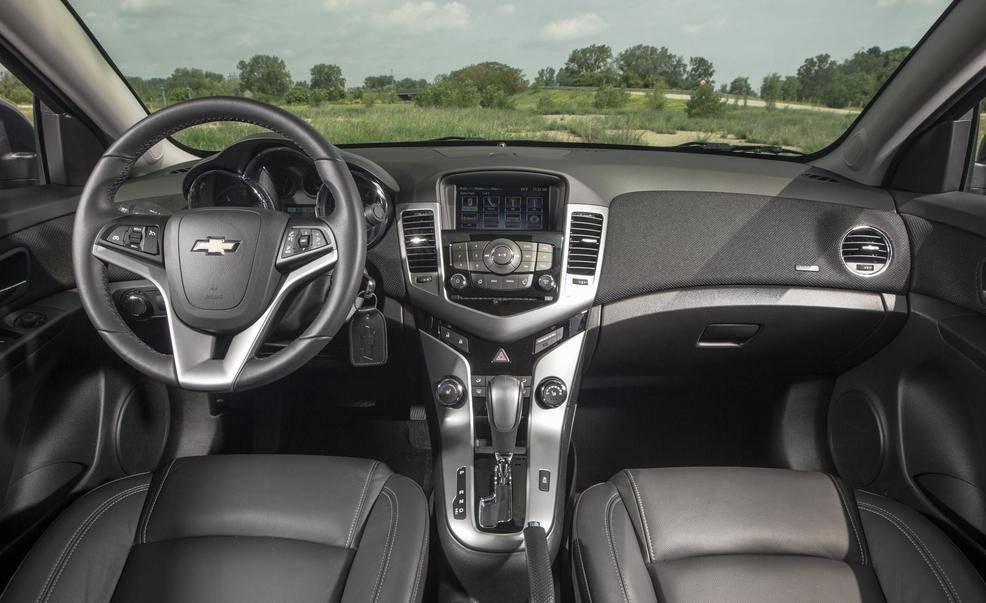 So sánh xe Chevrolet Cruze và Honda Civic 32