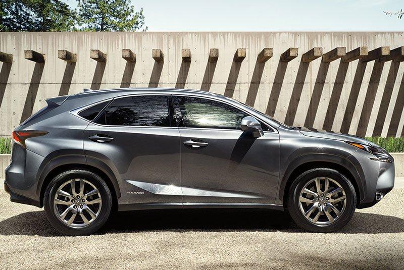 Lexus NX 2016.