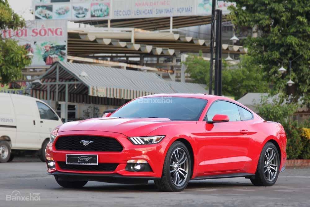 Đánh giá xe Ford Mustang 2015 có thiết kế như siêu xe.