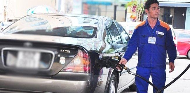 Đổ xăng xe thế nào cho an toàn?.