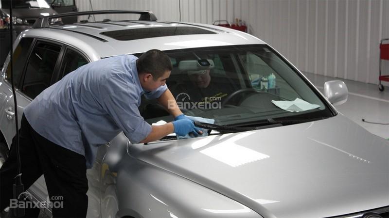 Những điểm cần chú ý chăm sóc xe ô tô trước mùa đông.