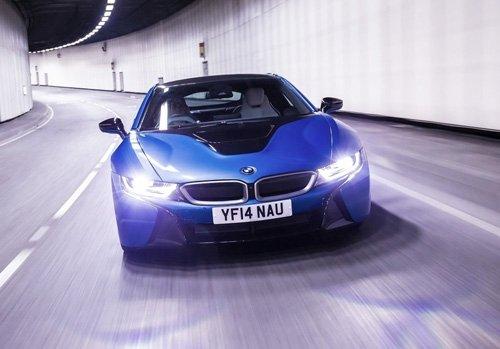 Địa hình mà xe ô tô thường xuyên di chuyển có tác động lớn đến tuổi thọ của đèn.