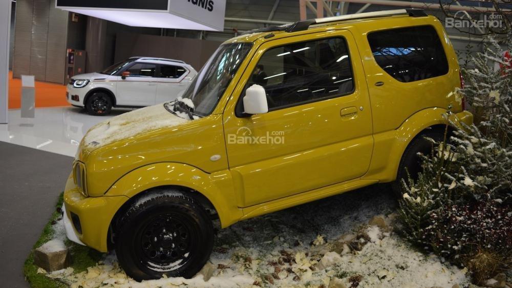 Suzuki Jimny Shinsei phiên bản đặc biệt xuất hiện tại triển lãm Bologna 1