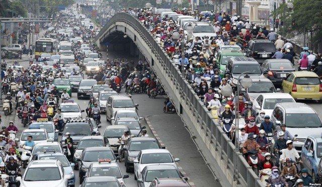 Từ năm 2017, Hà Nội thu chung phí đăng ký ô tô là 20 triệu đồng.