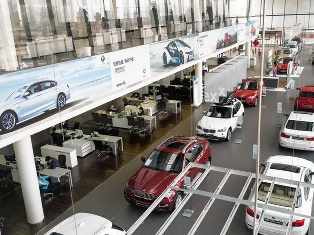 Sang năm 2017, giá xe ô tô nhập khẩu có thể sẽ giảm thêm do thuế suất giảm.