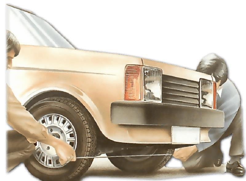 Sử dụng một sợi dây dài để kiểm tra độ chụm bánh xe.