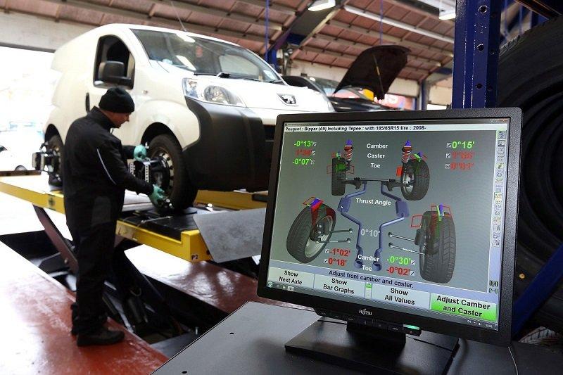 Nếu các thông số trên bị lệch so với quy định, bạn nên đưa xe đến các gara để các kỹ sư cân chỉnh lại.