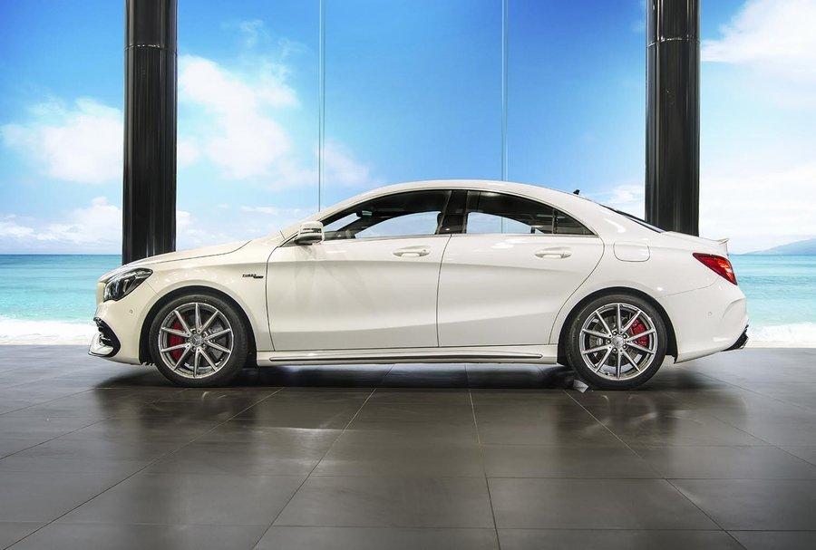 Mercedes-AMG CLA 45 4MATIC - Chiếc xe thương mại sở hữu động cơ 4 xi-lanh mạnh nhất thế giới.