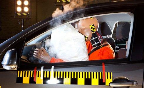 Túi khí là công cụ hữu ích giúp người sử dụng xe hơi giảm thiểu các chấn thương,