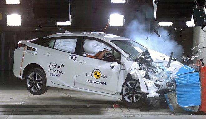 Thang điểm an toàn qua các bài kiểm tra xe là một trong những tiêu chuẩn quan trọng để người tiêu dùng lựa chọn mua xe.