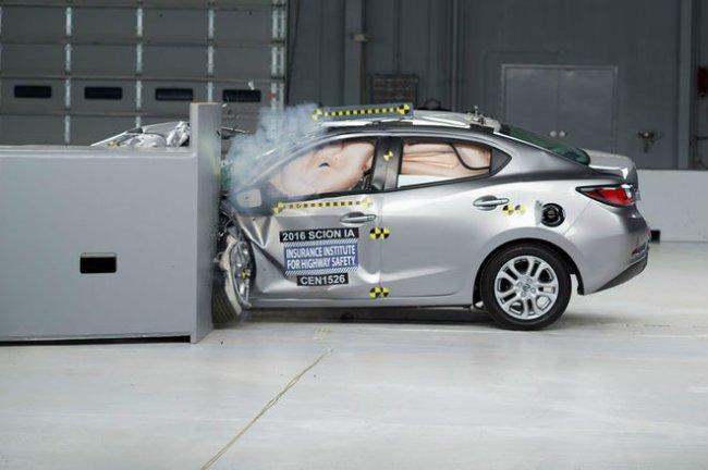Hệ thống phanh khẩn cấp là trợ thủ đắc lực giúp xe ô tô tránh được những tình huống có thể ngăn chặn trước.