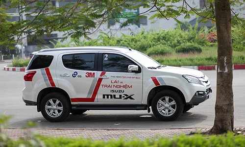 Isuzu Mu-X chưa thể giảm giá ngay trong đầu năm 2017.