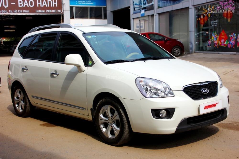 Bán Kia Carens EX 2.0MT sản xuất 2015, màu trắng, giá 525tr, 27.300km, đẹp long lanh-1