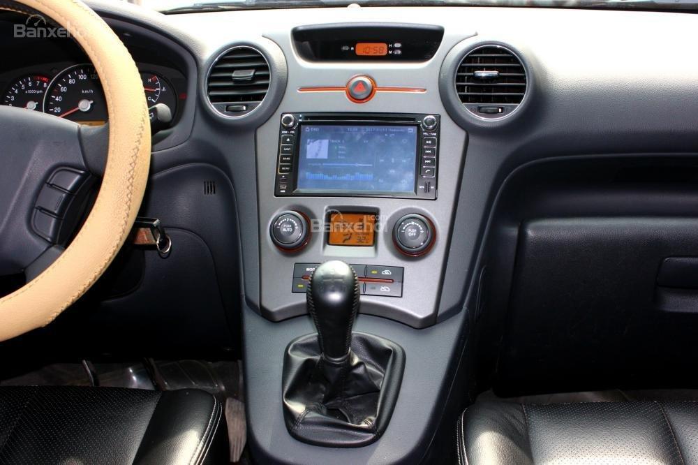 Bán Kia Carens EX 2.0MT sản xuất 2015, màu trắng, giá 525tr, 27.300km, đẹp long lanh-11