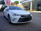 Cần bán Toyota Camry XLE Mỹ 2.5L màu trắng model 2016