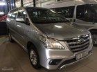 Cần bán xe Toyota Innova E 2014, màu bạc bán trả góp 699tr