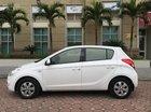 Cần bán gấp Hyundai i20 đời 2011 màu trắng, giá 425 triệu nhập khẩu nguyên chiếc