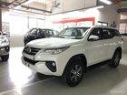 Bán xe Fortuner 2.4G máy dầu màu trắng. Fortuner V 2017 nhập khẩu nguyên chiếc Indonesia. Giao xe ngay