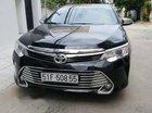Cần bán Toyota Camry 2.0E đời 2015, màu đen chính chủ, giá tốt