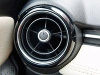 mazda2 2015 a1 fdfb Đánh giá chi tiết xe Mazda2 2015: Nỗ lực thay đổi