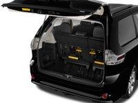 2015 Toyota Sienna 7 2332 Đánh giá chi tiết xe Toyota Sienna 2015: Mẫu xe gia đình hoàn hảo