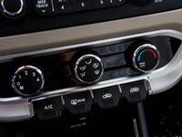 KIA Rio 2014 21 80f1 Đánh giá chi tiết xe Kia Rio sedan 2014: Thiết kế thời trang, tính năng đa dạng