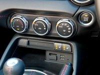 Mazda MX 5 a6 fe06 Đánh giá chi tiết xe Mazda MX 5 mui trần 2015
