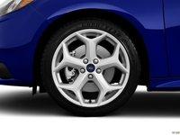 ST 2014 26 9a84 Đánh giá chi tiết xe Ford Focus ST 2014: Mạnh mẽ và cao cấp