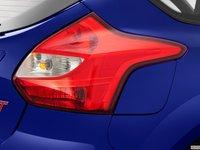 ST 2014 29 22e1 Đánh giá chi tiết xe Ford Focus ST 2014: Mạnh mẽ và cao cấp