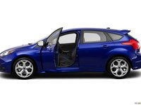 27 3c01 Đánh giá chi tiết xe Ford Focus ST 2014: Mạnh mẽ và cao cấp