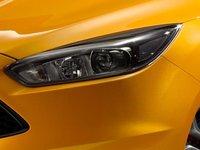 Ford Focus ST 2014 4 8d85 Đánh giá chi tiết xe Ford Focus ST 2014: Mạnh mẽ và cao cấp