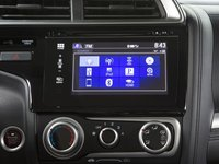 HondaFit20159 621e Đánh giá chi tiết xe Honda Fit 2015: Mạnh mẽ, linh hoạt