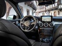 Các trang bị tiện nghi trên Mercedes-Benz GLC-Class.