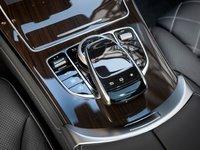 Các phím bấm chức năng trên Mercedes-Benz GLC-Class.