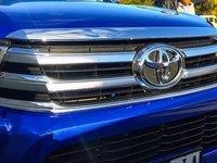 Đánh giá xe Toyota Hilux 2016 phần đầu 2.
