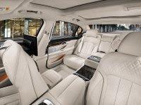 Đánh giá xe BMW 730Li có nội thất rộng rãi.