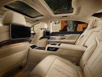 Đánh giá xe BMW 730Li có nội thất thiết kế tinh xảo, cao cấp.