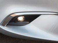 Đánh giá xe Mazda 6 2016 có đèn sương mù giấu trong hốc có viền mạ crom tinh tế.