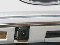 Đánh giá xe Lexus RX 200t được trang bị camera lùi phía sau.