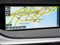 Đánh giá xe Lexus RX350 2016: màn hình hiển thị kích thước lớn 12,3 inch dựng đứng.