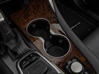 Đánh giá xe Lexus RX350 2016: Hộc chứa ly tiện dụng.