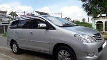 Bán Toyota Innova MT năm 2010, màu bạc