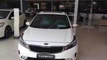 Bán xe Kia Cerato 1.6AT, màu trắng, mới 100%, hỗ trợ vay trả góp đến 85% giá trị xe