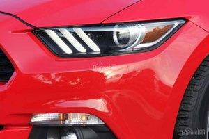 Đánh giá xe Ford Mustang 2015 có đèn pha kết hợp giữa LED và Bi-Xenon.